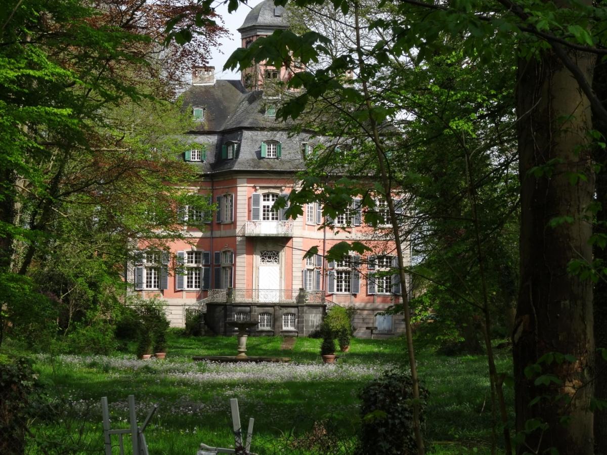 Wanderungen um Schloß Arff und Tannenbusch