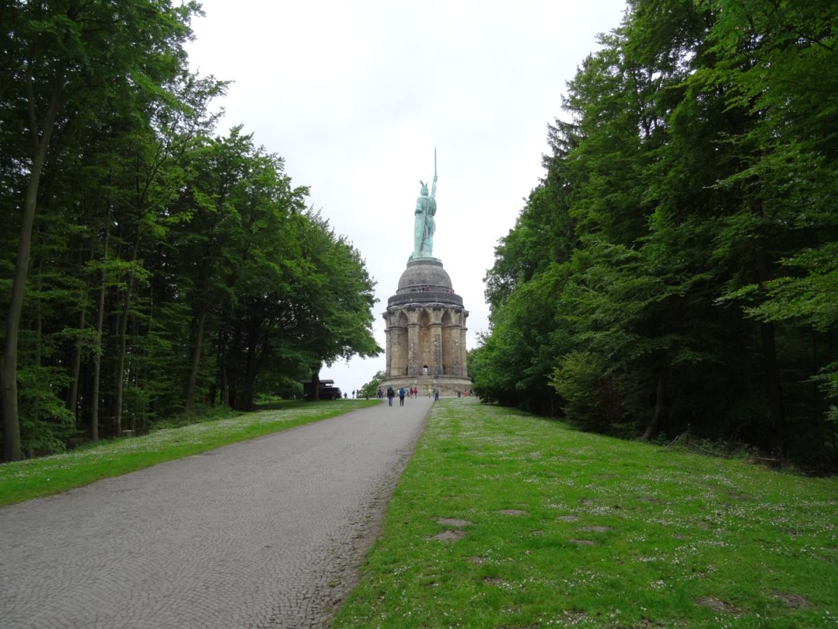 Teutoburger Wald - Hermannsdenkmal und Externsteine
